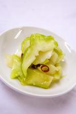 農学部生が育てた、生のザーサイを使用したメニューを中国料理レストラン桃谷樓各店にて提供 -- 近畿大学