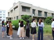 秋岡先生__フェリスの歴史的建造物を訪ねて.JPG