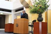 記念講演に登壇したクリスチャン大統領