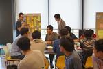 越日工業大学(ベトナム)の学生と金沢工業大学の学生がペアを組み、企業でインターンシップ。「文化を超えて」問題発見・解決に取り組む。