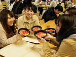 大人気「近大マグロ丼」を学食で提供! 学生からの要望に応え、ボリュームアップを実現