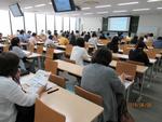毎年恒例、保護者懇談会を実施=約400名の保護者・保証人が参加 -- 淑徳大学
