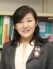 白河桃子特任教授_画像.jpg
