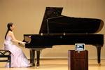 聖徳大学音楽学部の学生が松戸市主催「認知症の人向け癒やしの音楽会」でピアノを演奏 -- オンラインで安らぎのひとときを提供