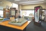 ものつくり大学の図書情報センターに大学広報展示スペース「IOT INFORMATION GALLERY」を20周年記念事業の一環として開設!