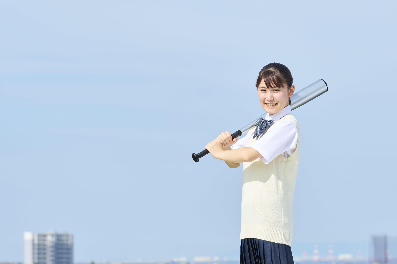 女子高校野球史上初めての「夏の甲子園」が実現。武庫川女子大学は女性活躍を推進する女子総合大学としてこの歴史的な一歩を応援しています。