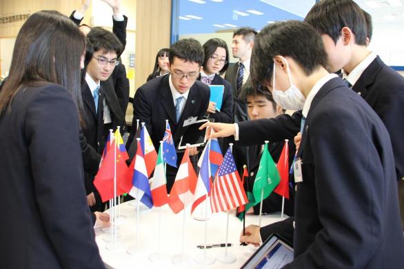 12月24日(火)に「国際移住と開発」をテーマに、首都圏の高校生が一堂に会し論じ合う「模擬国連」を開催。 -- クラーク記念国際高等学校