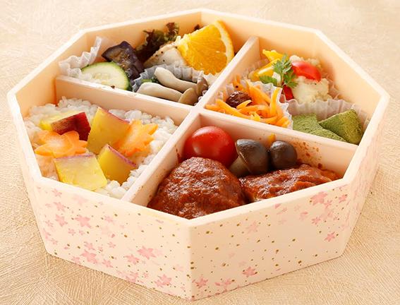 京阪百貨店の「秋の大感謝祭『大学コラボ企画』」に創作弁当とパンで挑戦 -- 大阪国際大学短期大学部の栄養士の卵たち