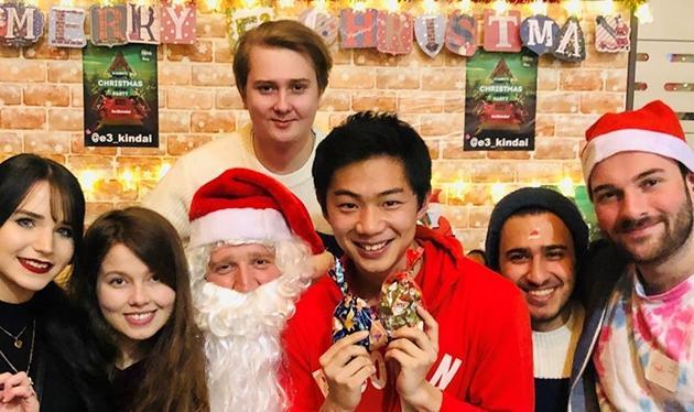 近畿大学英語村E3[e-cube] Christmas Charity Dinner 欧米の伝統的なクリスマスをチャリティを通して体験