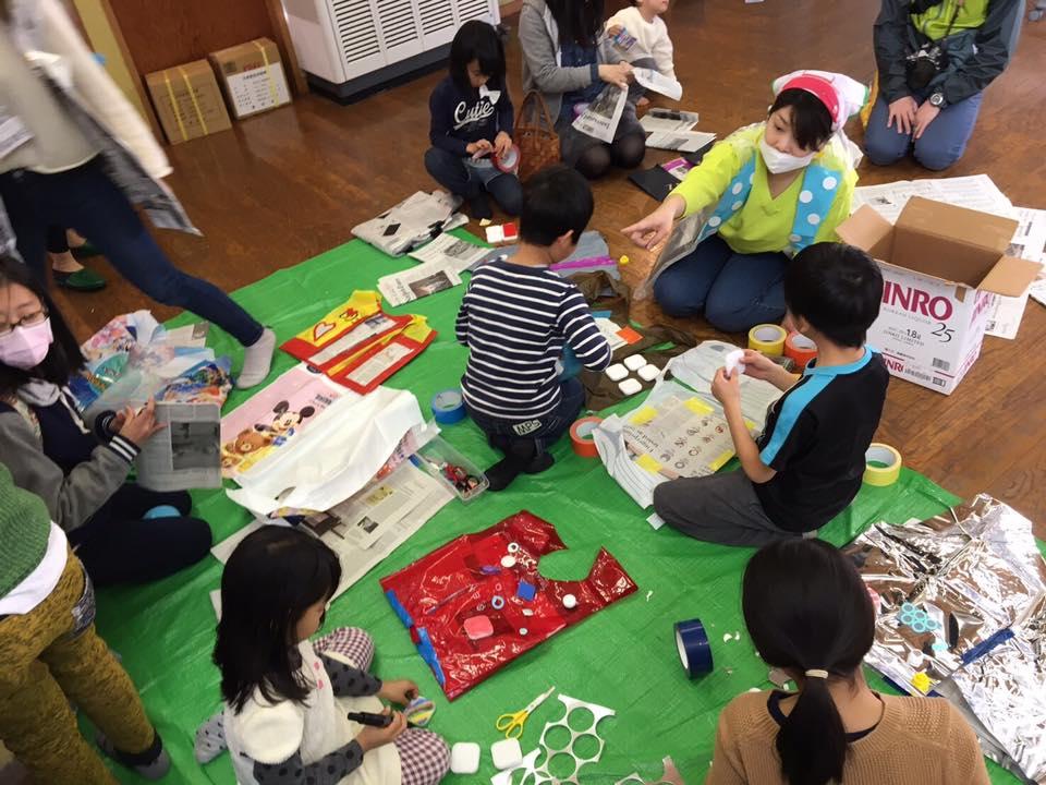 """震災から6年、子どもたちが楽しみながら防災を学ぶ~芝浦工業大学の学生団体が""""防災ファッションショー""""を実施"""