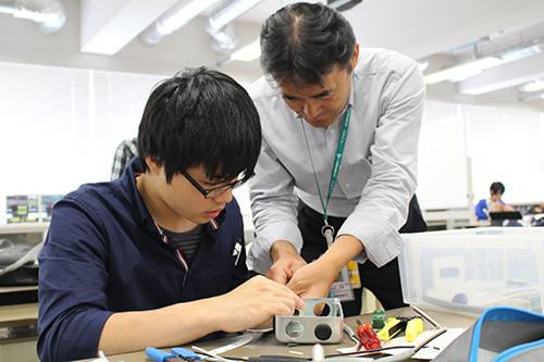 1年次から資格を取得する学生が急増 -- 大阪電気通信大学の「実学道場プロジェクト」