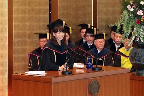 4月4日 入学式挙行 高橋尚子さんが新入生に祝辞を贈る -- 大阪学院大学