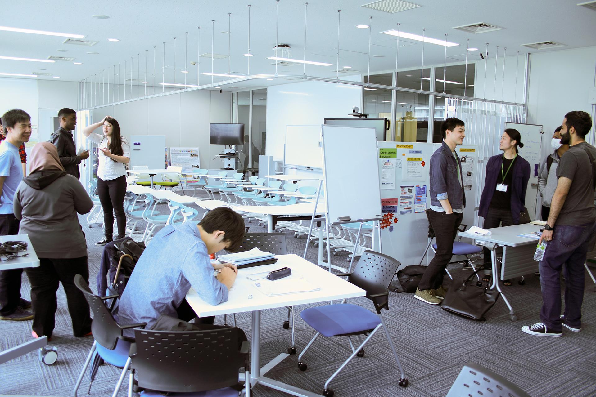芝浦工業大学 -- 身近な国際交流の場を目指し「豊洲グローバルラーニングコモンズ」運用開始 ~留学生や海外経験がある学生スタッフが常駐