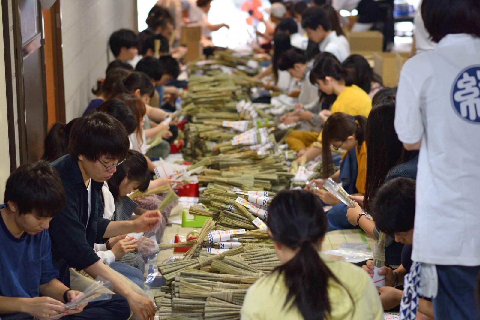 佛教大学生が祇園祭にスタッフとして参加