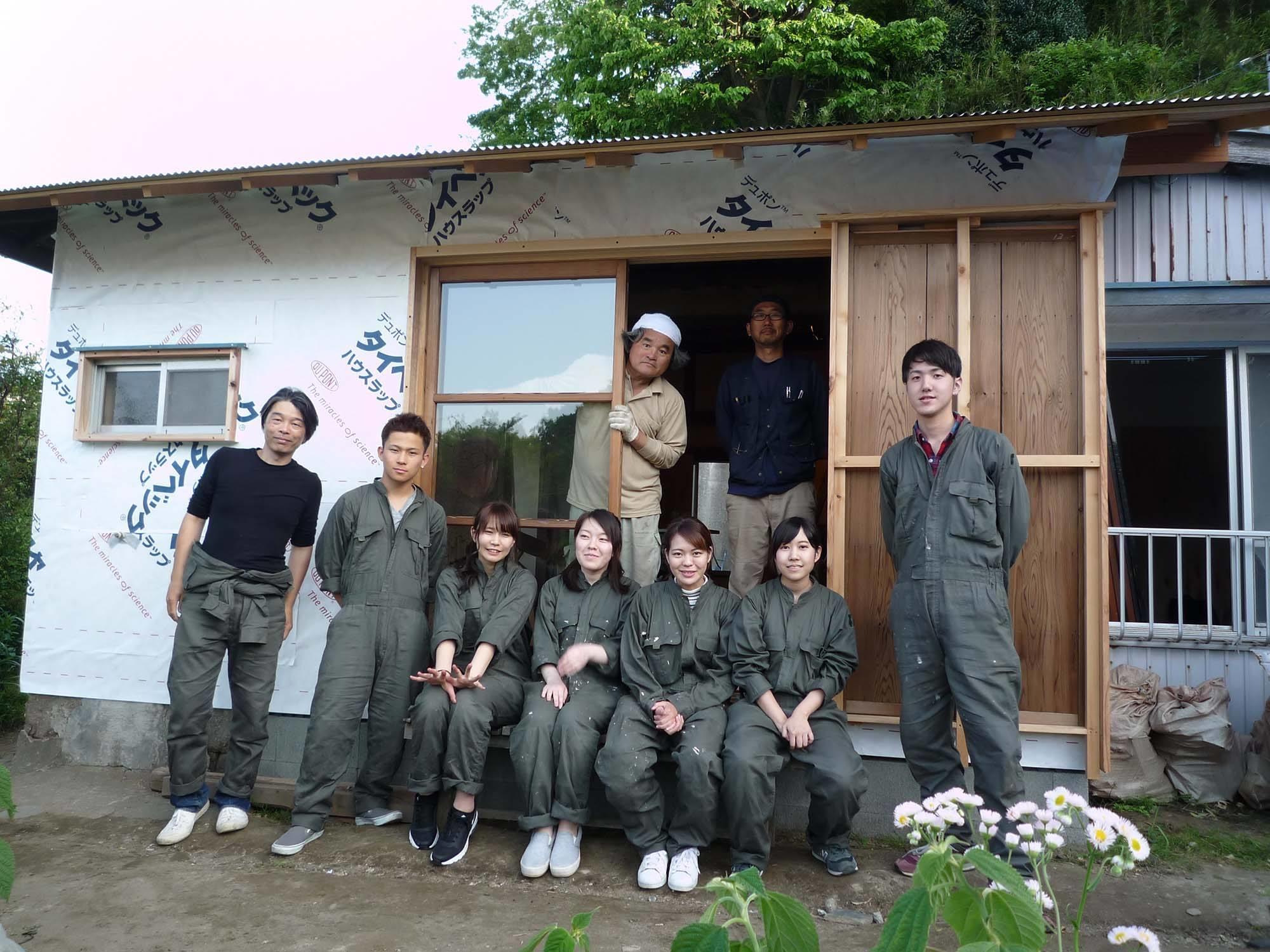 大学生が改修した空き家を活用して、横須賀・追浜地区で地域交流会を開催します。三浦半島でとれた新鮮な魚介類を使った料理も振る舞います。