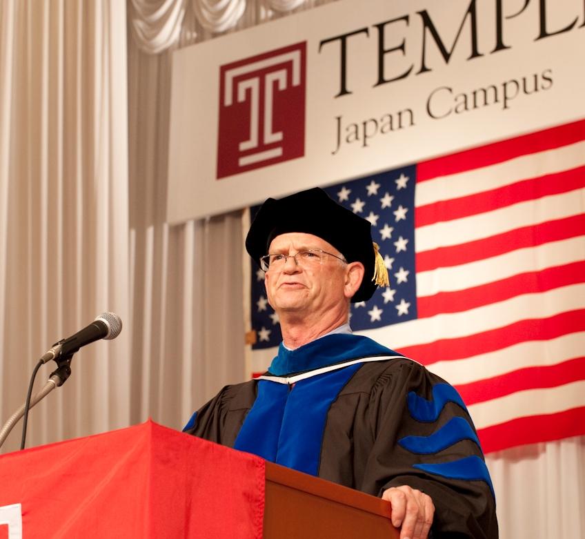 日本校で出願から卒業まで。学部卒業生の3人に1人が外国人――テンプル大学ジャパンキャンパスが2010年度卒業式挙行