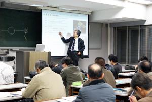 日本工業大学が平成23年度春学期「シニアチャレンジ講座」の受講生を募集