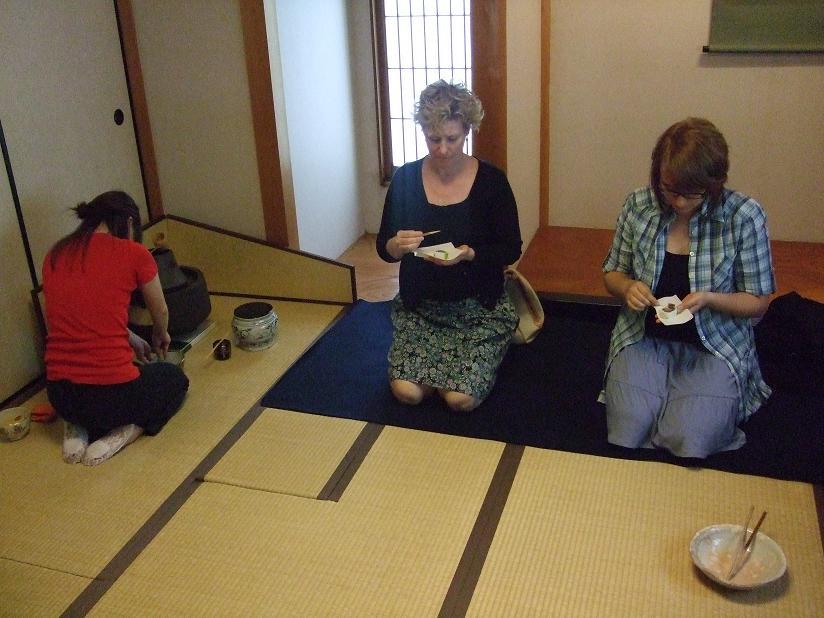留学生に日本語と茶道や華道などの日本文化体験の機会を提供――桃山学院大学が冬期日本語プログラムを開始