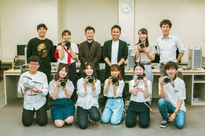 ◆メディア制作を学ぶ16人の関西大学生が、「GooPass」のレビューを書いてみた ◆カメラ素人の学生が最新機種をレンタルして1カ月生活してみたら...