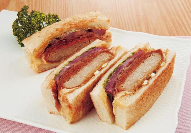 「近大マグロのメンチカツサンドイッチ」新発売 近鉄百貨店上本町店「旬のフードフェスティバル」で限定販売