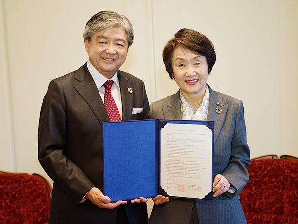 神奈川大学(学長:兼子良夫)と横浜市が包括連携協定を締結しました