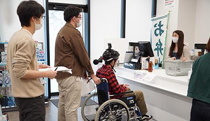 日本工業大学 情報メディア工学科の学生達による、障害者の視点から見た360度VR映像が完成、北区での試聴会を開催