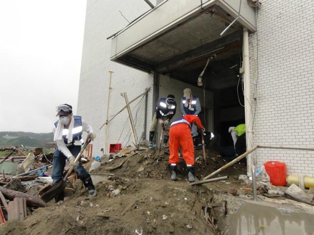 東京経済大学が「復興支援ボランティア隊」の活動報告展示会を開催――11月初旬には外国人留学生によるボランティア隊を被災地へ