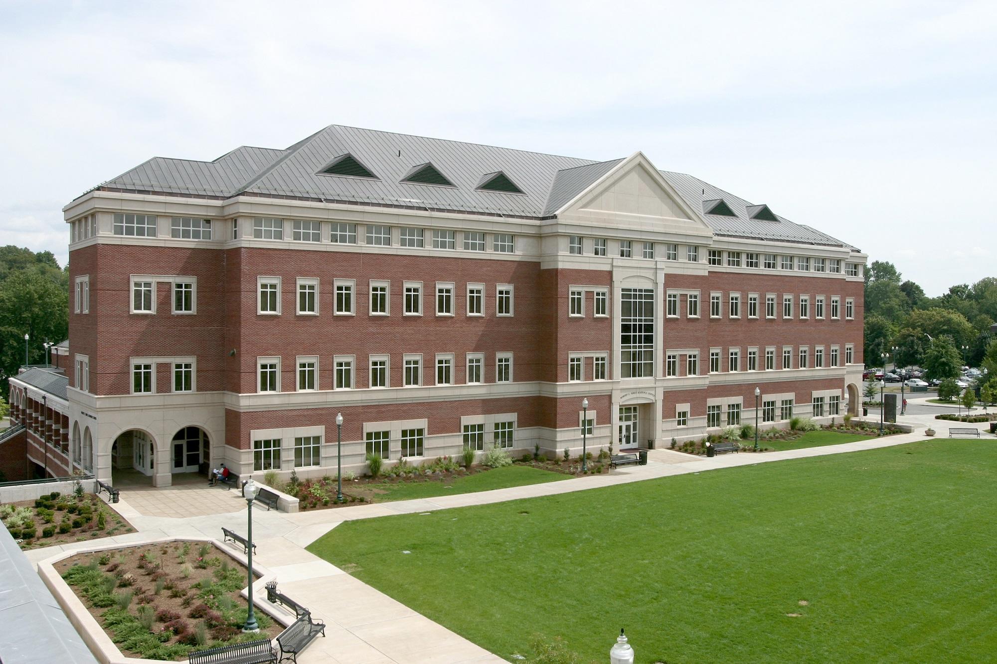ダブル・ディグリー・プログラムが2018年4月始動 -- 関東学院大学と海外大学で、学位の同時取得が可能に -- 米 セントラル・コネチカット州立大学、豪 ニューカッスル大学と連携