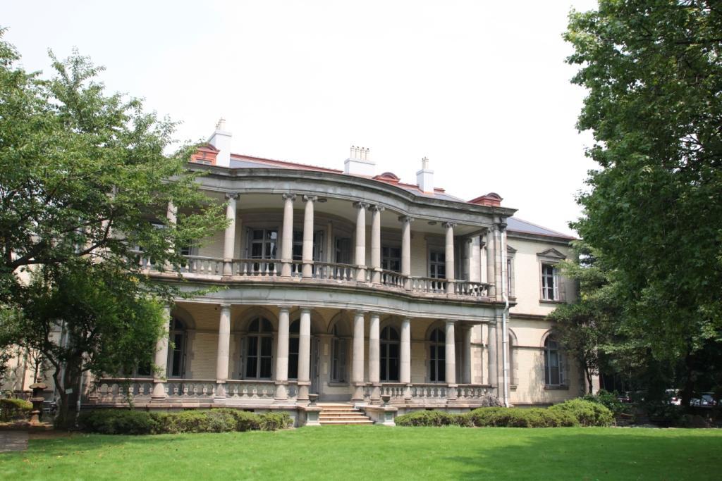 清泉女子大学本館(旧島津公爵邸)が東京都指定有形文化財に指定