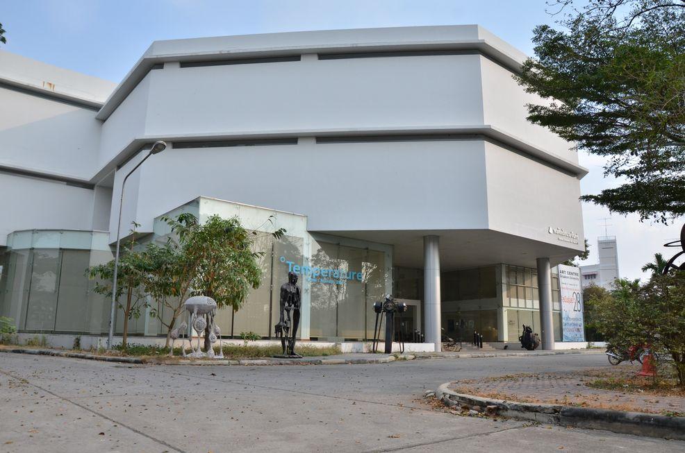 日・タイ 芸術文化交流プロジェクト――多摩美術大学が協定校のシラパコーン大学で合同美術展とワークショップを開催
