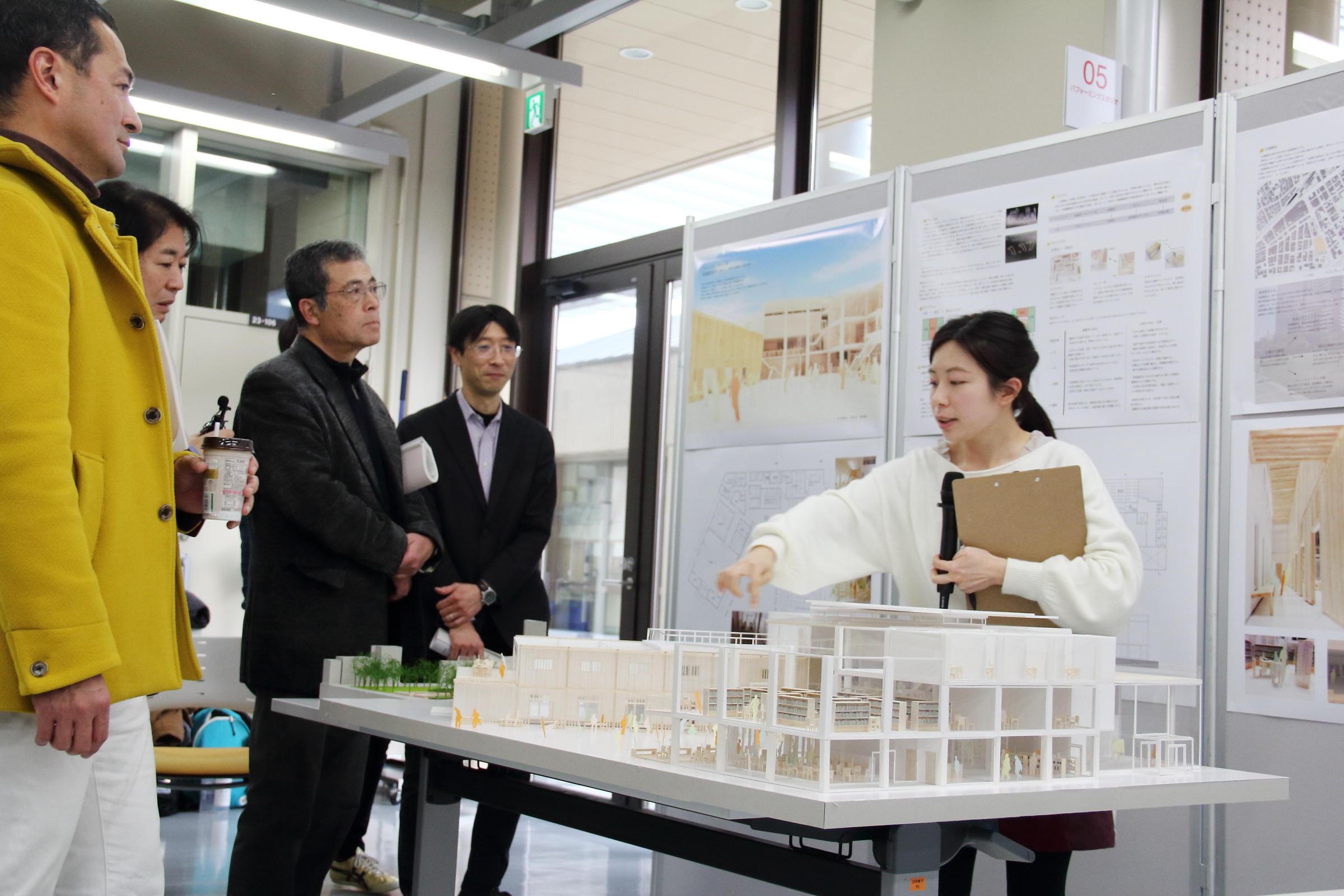金沢工業大学が「平成29年度プロジェクトデザインIII公開発表審査会」 を開催