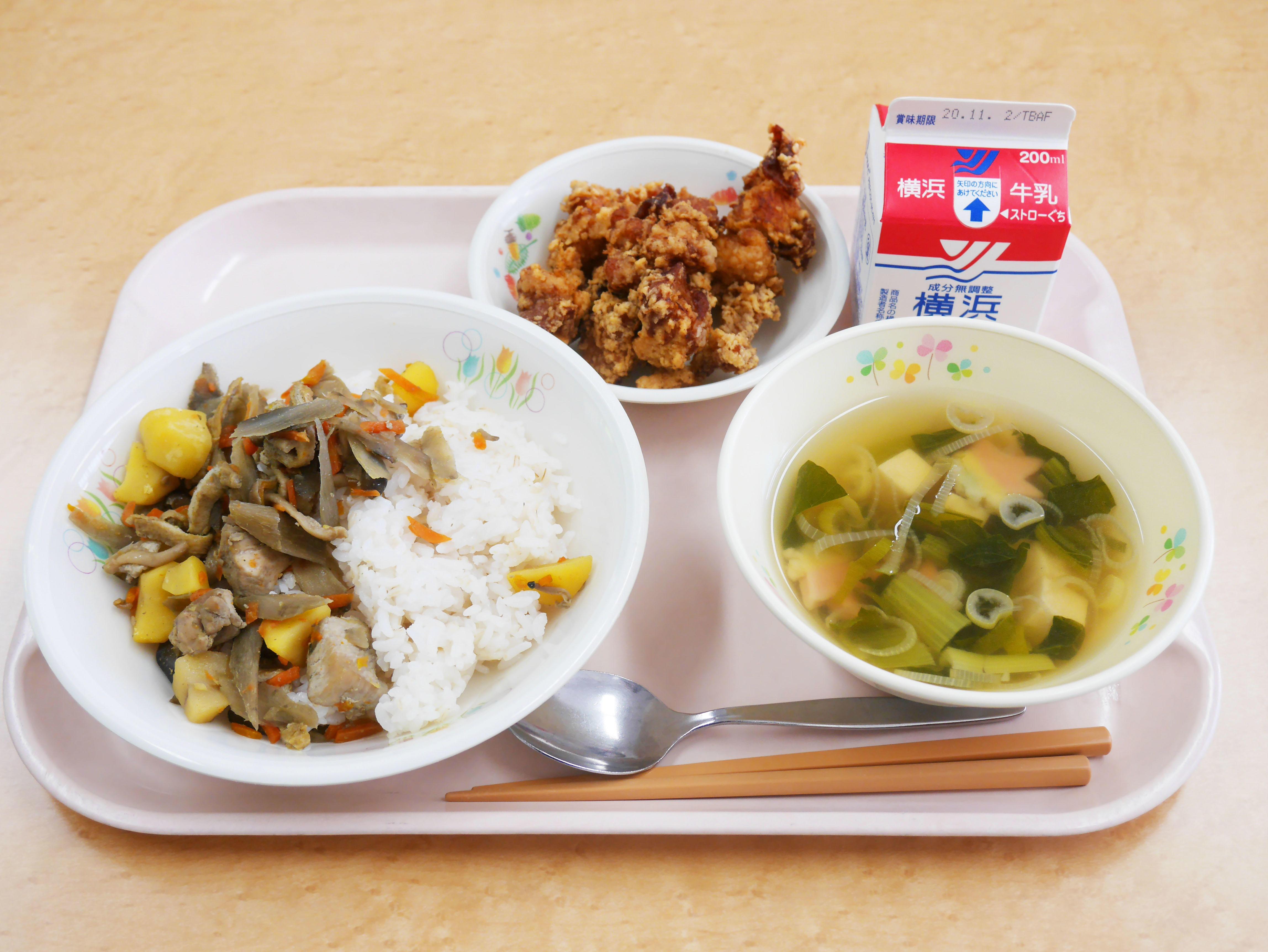 フェリス女学院大学の学生が百人一首をモチーフに考案した給食メニューを横浜市内の小学校で提供 --「全学教養教育機構(CLA)」プロジェクト演習の一環