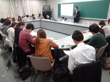 東京経済大学 経営学部の本藤ゼミが「オムロン」と新商品をプロモーション――新機軸商品「ねむり時間計」に若者の斬新な発想を