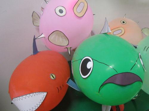 東京工科大学デザイン学部の「beeプロジェクト」が東京スカイツリータウン(R)のオープンに合わせ、ワークショップ「ふうせん水族館:東京工科大学×すみだ水族館」を開催