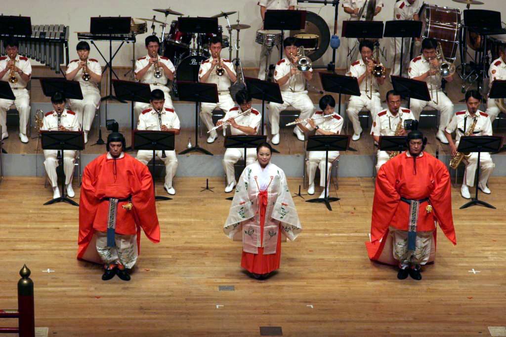 北は北海道警から南は沖縄県警まで全国の警察音楽隊員が参加――8月31日、聖徳大学で「2012警察音楽隊研修会――吹奏楽コンサート」を開催
