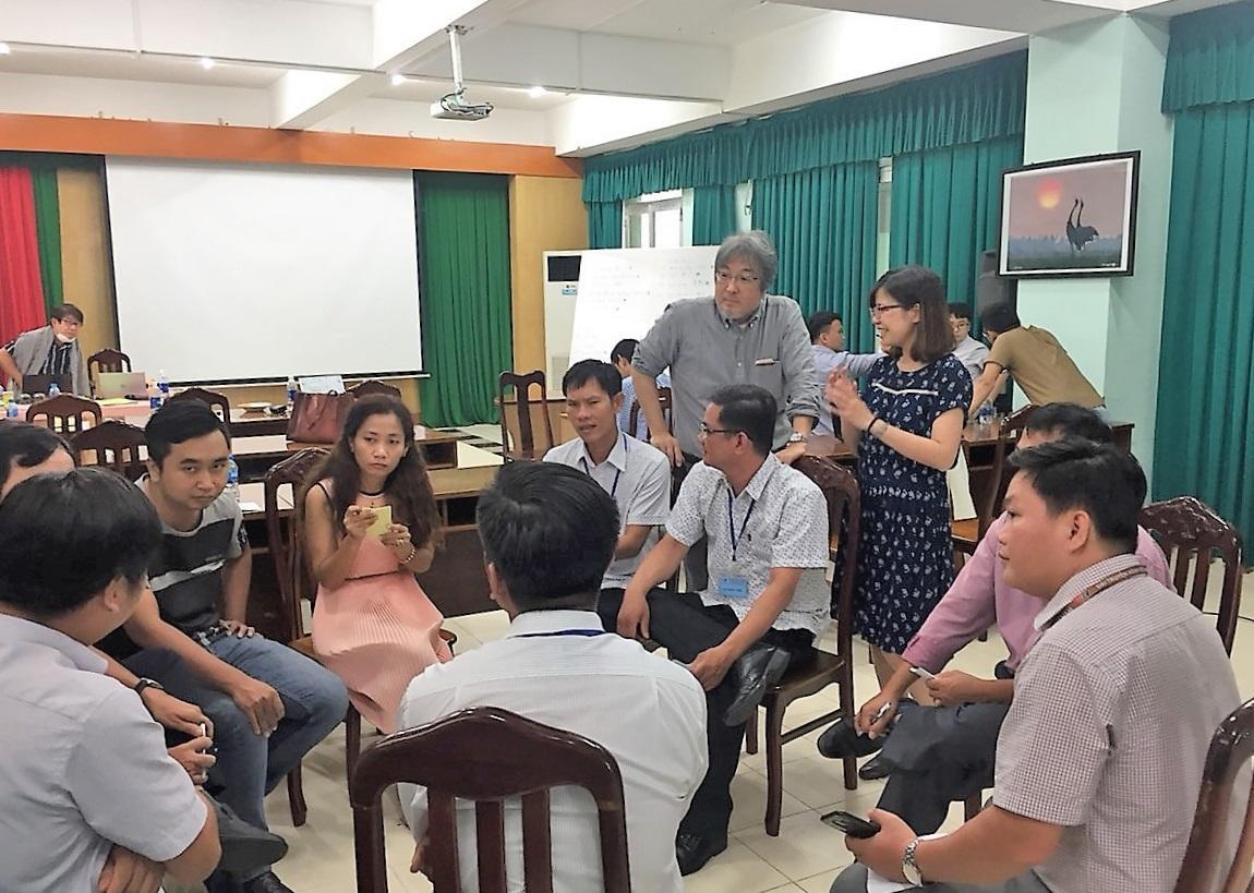 江戸川大学の隈本邦彦教授が JICA「国営ベトナムテレビジョンの製作者を対象とする研修事業」に講師として協力 -- 1分間の「防災メモ」を作成