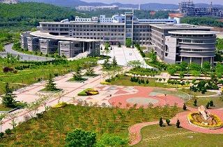 日本の大学で初 海外の大学と学部を共同設置 ――大連理工大学(中国)・立命館大学国際情報ソフトウェア学部の開設決定について