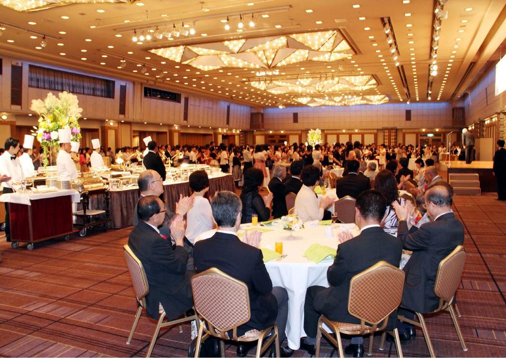 聖徳大学・聖徳大学短期大学部が、東日本大震災により中止になった「謝恩会」に代わる「同窓会」を卒業生のために開催