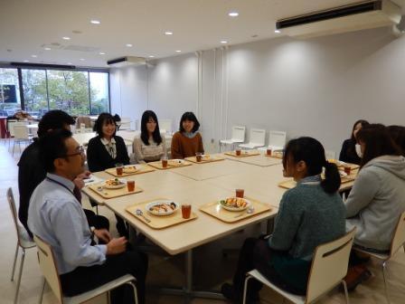 アフリカの子供たちに給食を――東京経済大学小木ゼミ生が企画したNPO「TABLE FOR TWO」が12月2日から学食で開始