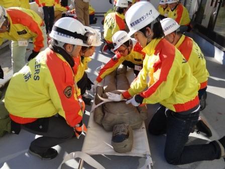 災害ボランティアサークル「Rescues」<br />被災地支援をする全国の学生を前に、仙台で活動報告