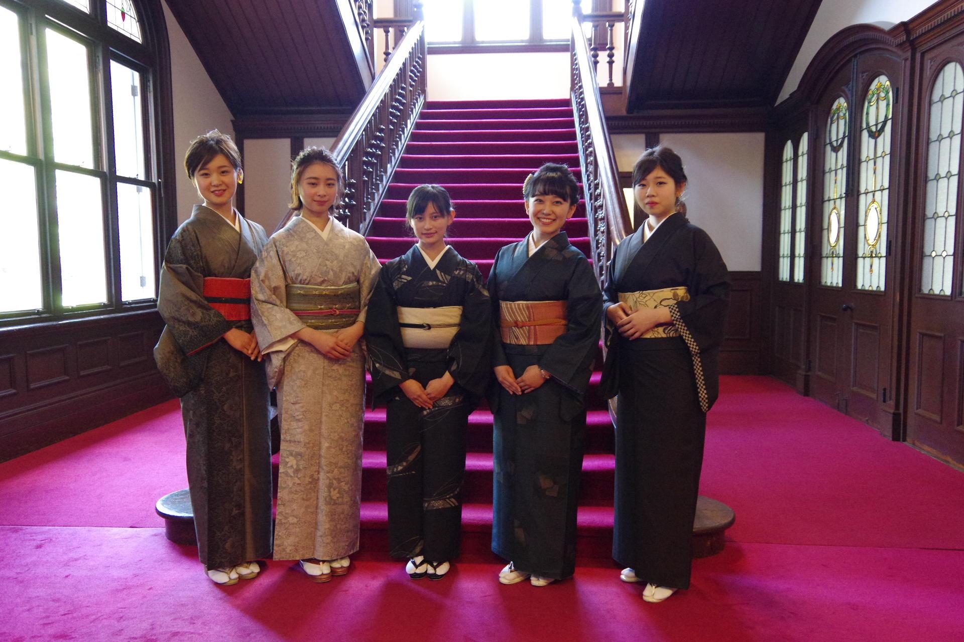 清泉女子大学が4月22日に毎年恒例のガーデンパーティーを開催 -- ツツジの季節に新入生を歓迎する学生主催イベント