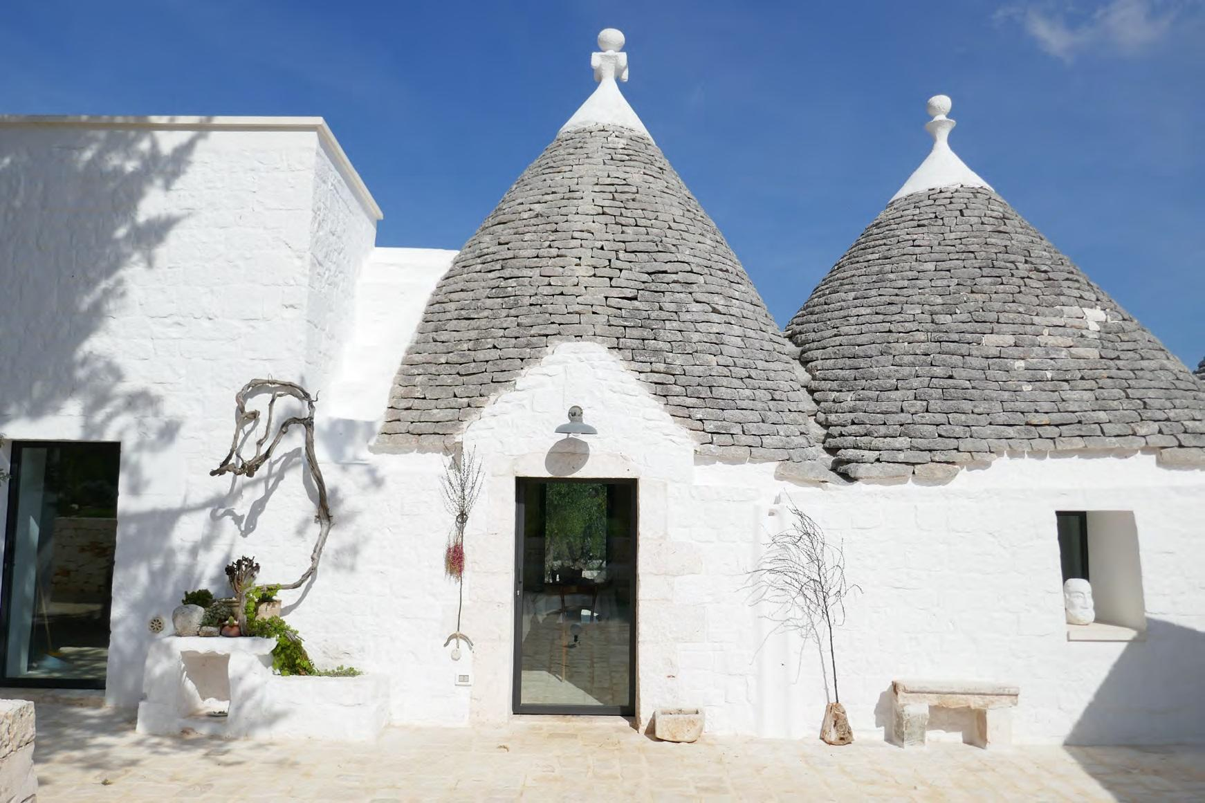 建築・環境学部主催 国際シンポジウム -- 南イタリア石造ドームの伝統的建築''トゥルッリ'' の再生 -- を開催します。12月19日(木)、横浜・金沢八景キャンパス