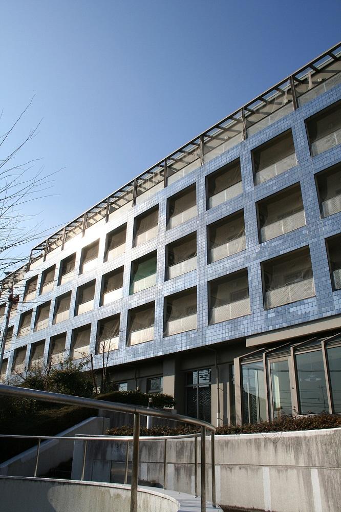 神奈川大学が、2014年度より女子国際寮「エスペラール」をオープン