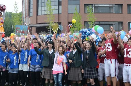 卒業生・倉木麻衣さんと総勢300人の生徒が歌う 立命館宇治中学校・高等学校紹介スペシャルムービーが完成
