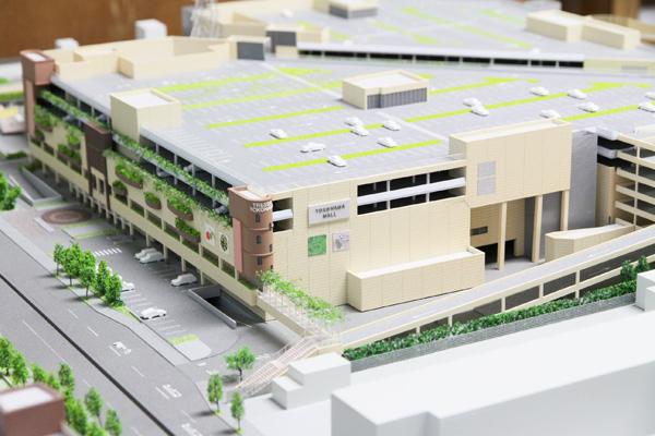 神奈川大学の工学部建築学科内田研究室がトレッサ横浜のジオラマ模型を修復