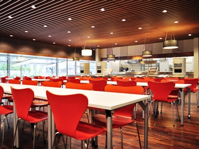 大妻女子大学千代田キャンパスの新校舎に学生食堂「kotacafe(コタカフェ)」がオープン――女性、子ども向けに一般開放も
