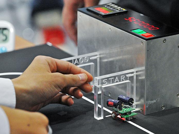日本工業大学が「第8回マイクロロボット高校生大会」を実施