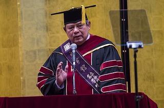 インドネシアのユドヨノ大統領に名誉博士号を贈呈――立命館大学