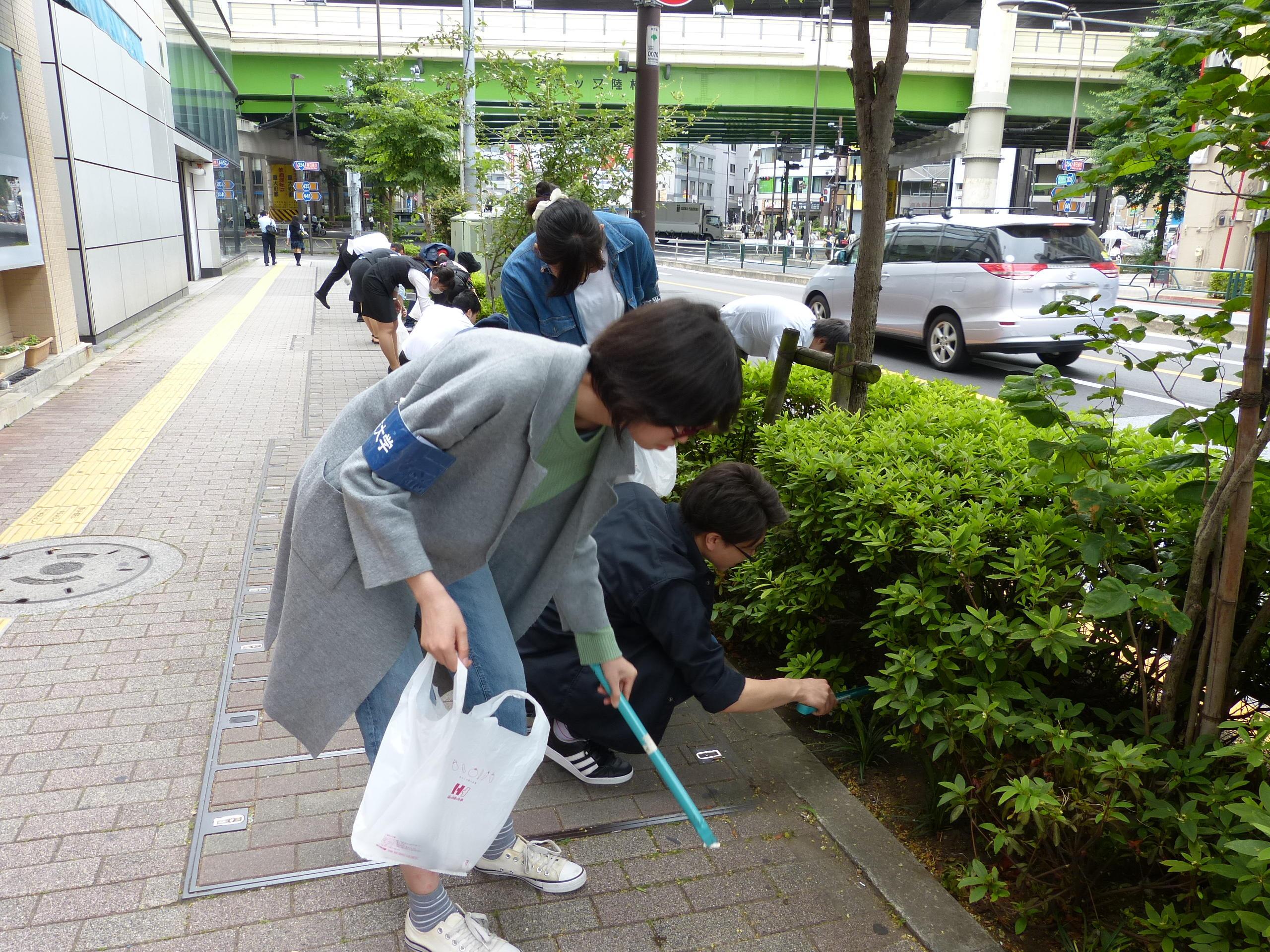 豊島区、中野区の清掃活動に参加 -- 帝京平成大学