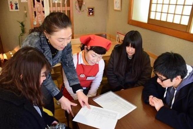 追手門学院大学の学生が和歌山県田辺市で世界遺産「熊野参詣道」に関するアンケート調査を実施 -- 宿泊施設でインバウンド対応の課題を探る